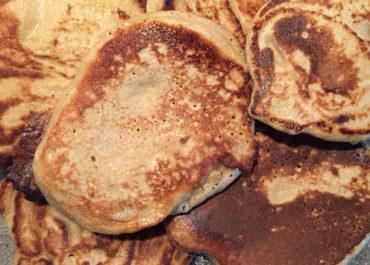 Pancakes protéinés à la banane