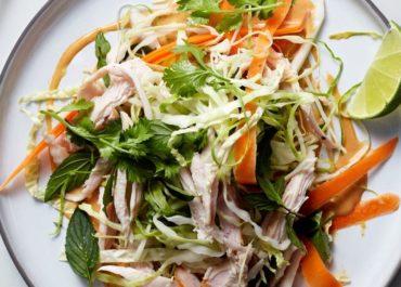 Salade de crudités à la dinde